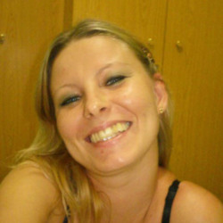 Marilisa is looking for singles for a date