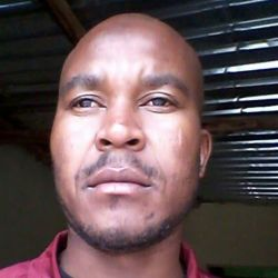 Masina is looking for singles for a date