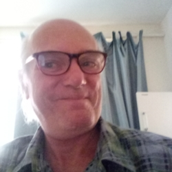 Steve is looking for singles for a date