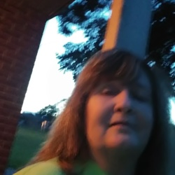 Linnice, 55 from Kansas