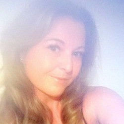 Jolene is looking for singles for a date
