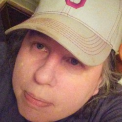 Rexanne is looking for singles for a date