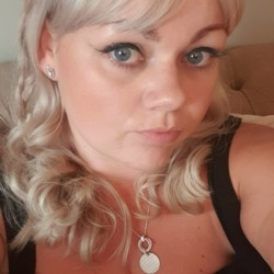 Carla is looking for singles for a date