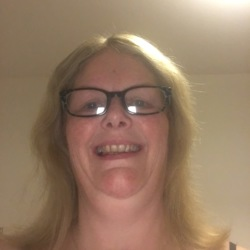 Allisonlowe is looking for singles for a date
