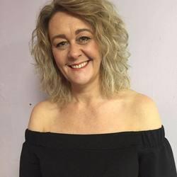 Lisa (45)