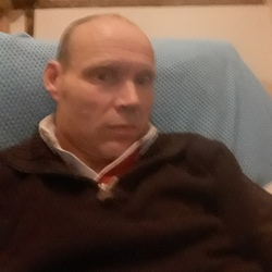 Stephen (47)