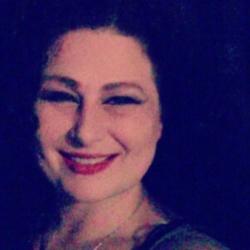 Linda, 39 from Manitoba