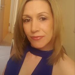 Caroline (38)