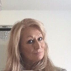 Julie (67)