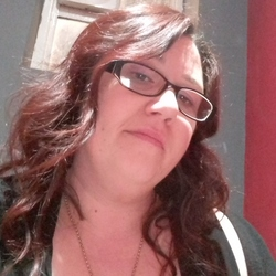 Sarahjane is looking for singles for a date