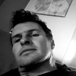 James (40)