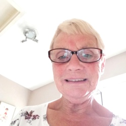 Sandra (74)