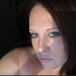 Tammy is looking for singles for a date