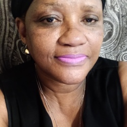 Mpho is looking for singles for a date