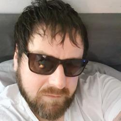 Tom (38)