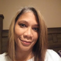 Lizzy is looking for singles for a date