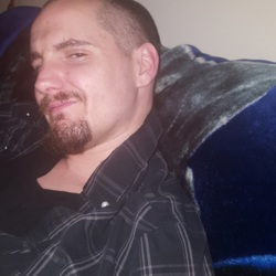Tommy, 28 from Manitoba