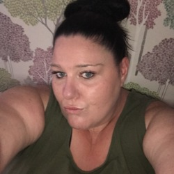 Heidi is looking for singles for a date