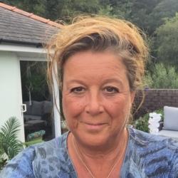 Sharon (60)