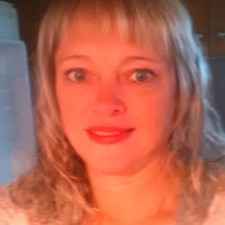 Alex, 45 from Ontario