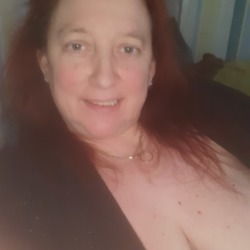 Sheena is looking for singles for a date