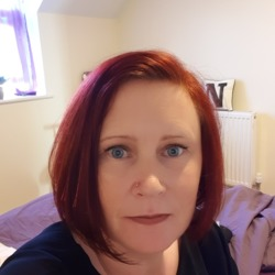 Nikki is looking for singles for a date