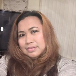 Evelyn (42)