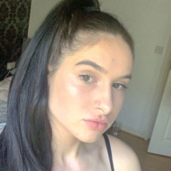 Ruby is looking for singles for a date
