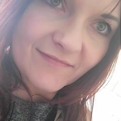 Karina (38)