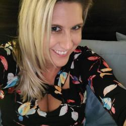 Matildax is looking for singles for a date