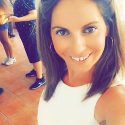 Catriona is looking for singles for a date