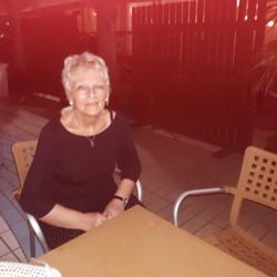 Maureen (67)