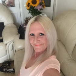 Masy is looking for singles for a date