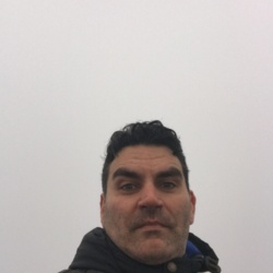 Vincenzo is looking for singles for a date