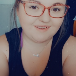 Georgina is looking for singles for a date