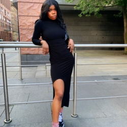 Mimi is looking for singles for a date