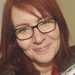 Kari (44)